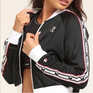 NWT black champion crown jacket size medium